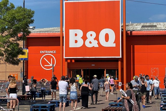 People also flocked to this B&Q store in Watford on Sunday