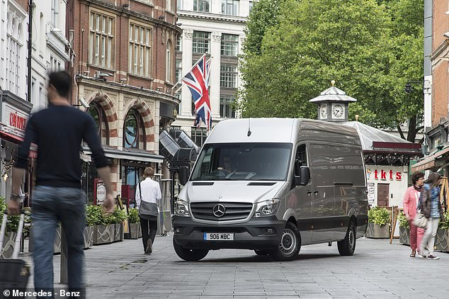 The best-selling engine in April is a NPV: Mercedes-Benz Sprinter sold all the cars on the market last year when the dealers were blocked due to the coronavirus