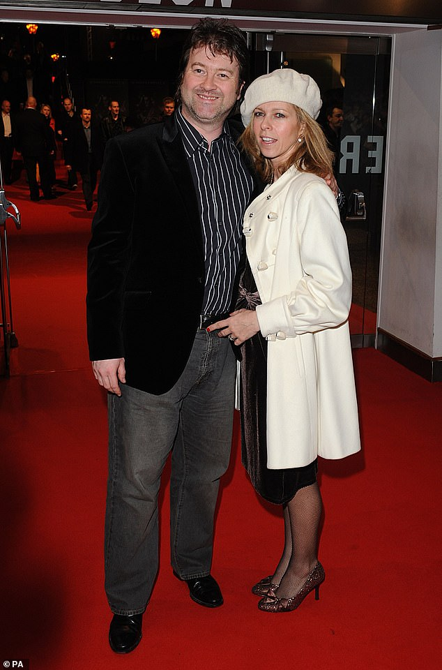 Sad news: Derek remains in critical condition and does not respond to intensive care after seven weeks of fighting the coronavirus (photo with Kate in 2008)