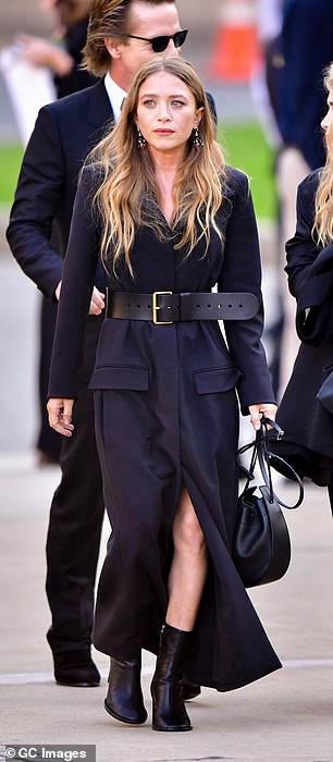 Last point: the legal team of Mary-Kate Olsen lost time Monday to officially file the papers for the designer to divorce her ex-husband Olivier Sarkozy