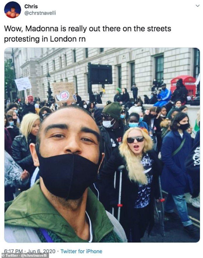 Fuera de vigencia: Madonna se unió a las multitudes en otra marcha de Black Lives Matter la semana pasada, a pesar de estar en muletas mientras prestaba su apoyo al importante movimiento