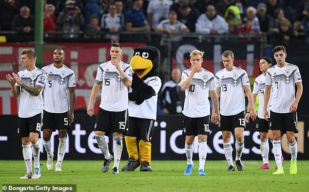 L'Allemagne est éliminée aux tirs au but par l'Angleterre après avoir terminé deuxième de son groupe