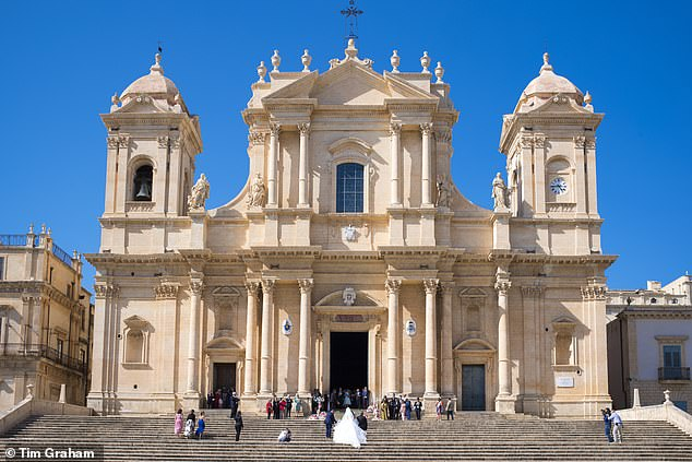 Mama mia, these perks! Sicily, Italywill offer vouchers for discounted flights,free museum tickets, and hotel vouchers that cover one additional free night for every three nights booked