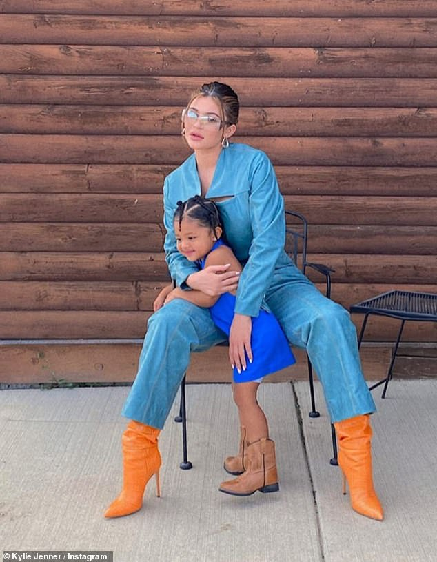 Snap Vacation: Kylie is currently in Wyoming staying at Kim and Kanye's $ 14 million ranch