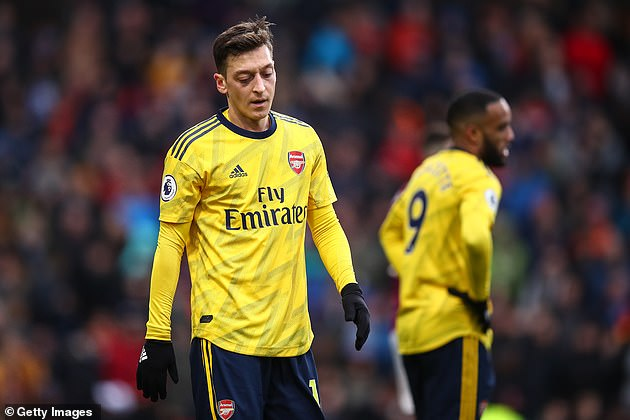 Mesut Ozil was kicked out of the Arsenal team for their visit to Man City on Wednesday
