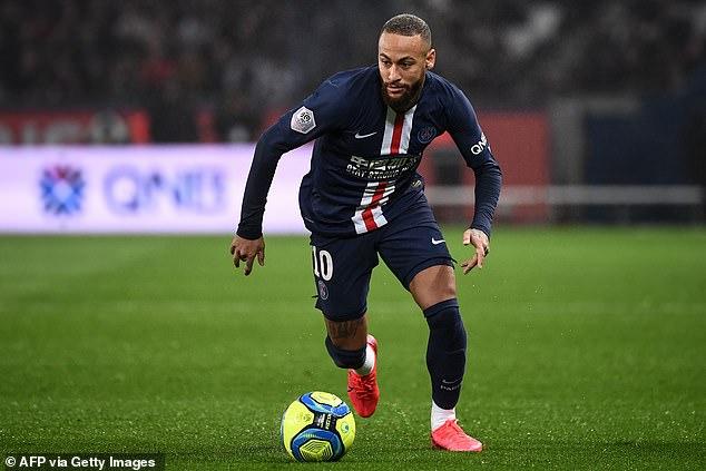 Il a rejoint le PSG pour 198 millions de livres sterling en 2017, soit moins d'un an après la signature d'un nouvel accord à Barcelone