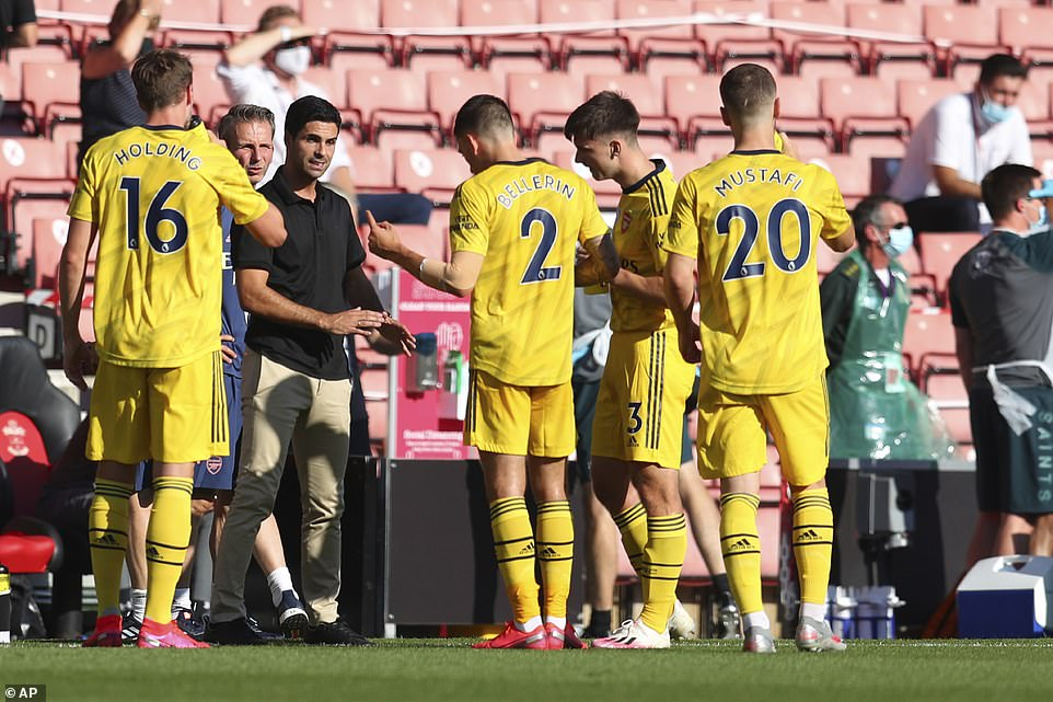 Arsenal head coach Mikel Arteta issues instructions to his players in sweltering conditions during the game v Southampton