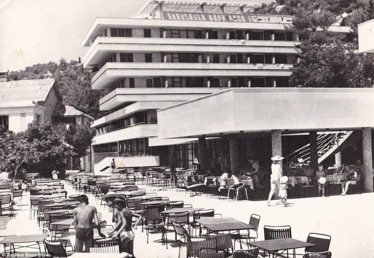 A black-and-white image of the HotelGoričina in 1964, when the resort of Kupari was beginning to expand