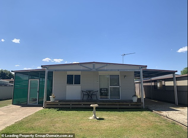 Just $88,000 will get you this two-bedder with a pool and tennis court on the banks of the Murray River near the NSW-Victorian border