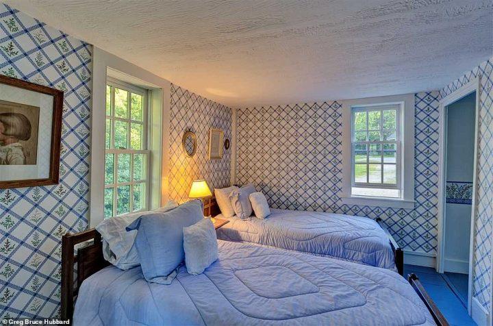 L'inscription décrit la maison comme un magnifique conçu sur mesure à ossature Bois, la maison est un formidable refuge pour les amoureux de la nature qui veut aussi une confidentialité totale
