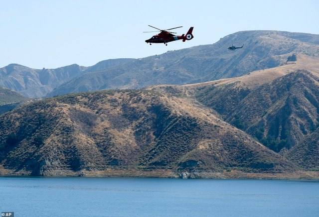 A view of Ventura County Sheriff's Office helicopters searching for Rivera above