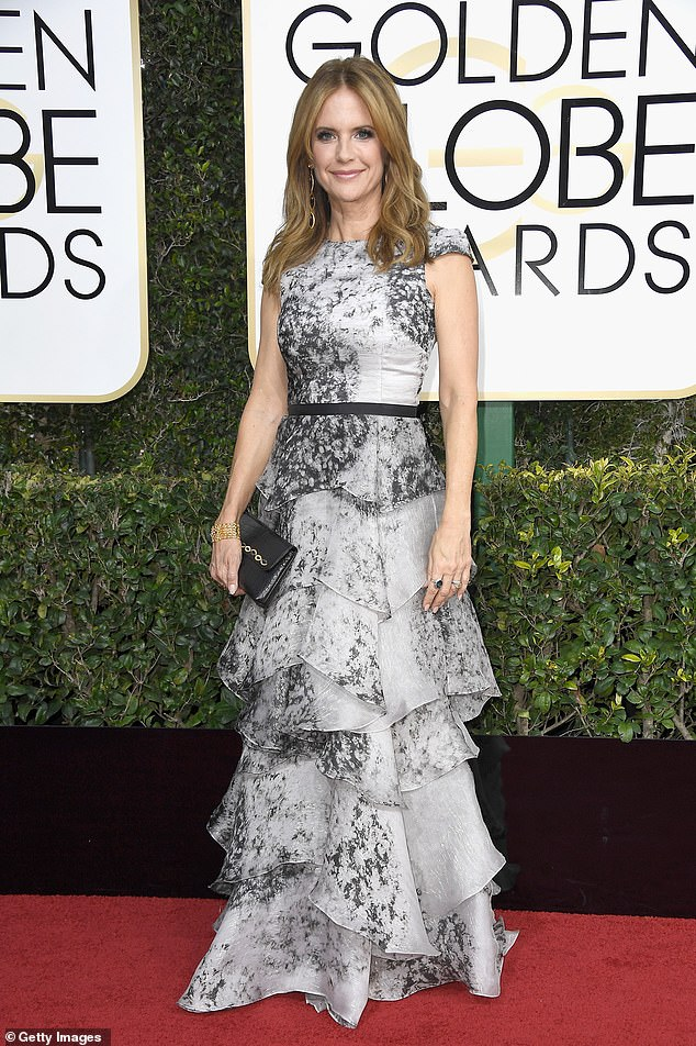 Actress Kelly Preston attends the 74th Golden Globe Awards 2017