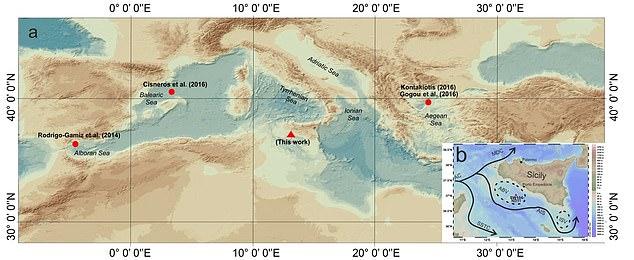Lo studio identifica il periodo romano (1-500 d.C.) come il periodo più caldo degli ultimi 2000 anni.  La mappa A mostra il Mar Mediterraneo centro-occidentale.  Il triangolo rosso mostra la posizione del campione studiato, mentre i cerchi rossi sono reperti marini precedentemente trovati usati per il confronto.  La mappa B mostra il Canale di Sicilia con la circolazione oceanografica della superficie e la posizione del campione.  Le linee nere seguono il percorso della circolazione delle acque superficiali
