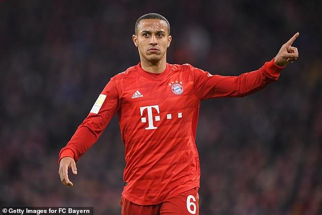 Bayern Munich midfielder Thiago Alcantara is seeking a fresh challenge at a new club