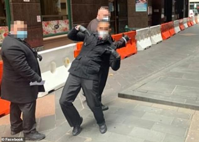 This image taken outside one of Melbourne's quarantine hotels appears to support the accounts of dozens of workers and returned travellers who say private security guards failed to take the quarantine operation seriously