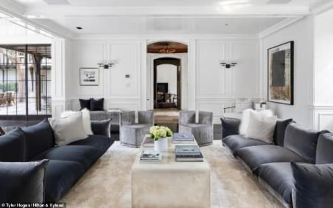 Modernized: Brad and Jen significantly updated the home, which they sold in 2006, a year after their divorce