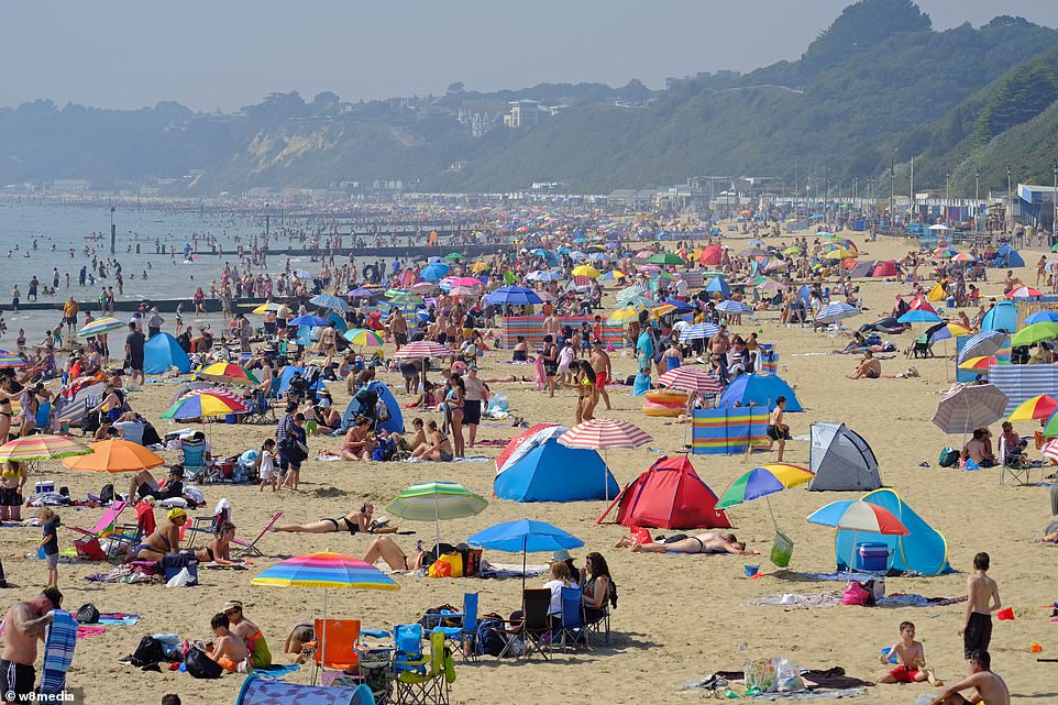 Bournemouth beach is once again a hotspot for daytrippers and tourists this afternoon as people flock to the coast