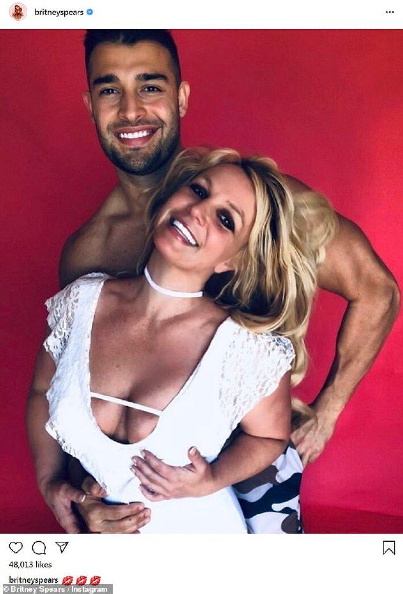 32162960 8645885 Latest romance For two years Britney 28 has been in a relationsh m 33 1597900607350 - O termino de casamento mais rápido do mundo