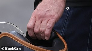 No ring: It was evident that he hadn't replaced the missing jewellery item