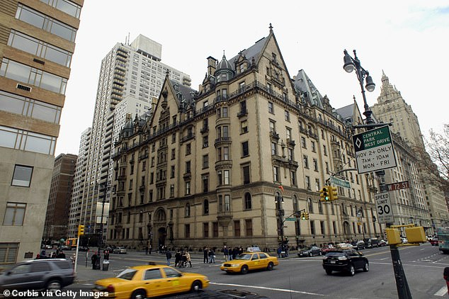 Роскошный жилой дом на 72-й Вест-Стрит в Верхнем Вест-Сайде Манхэттена.