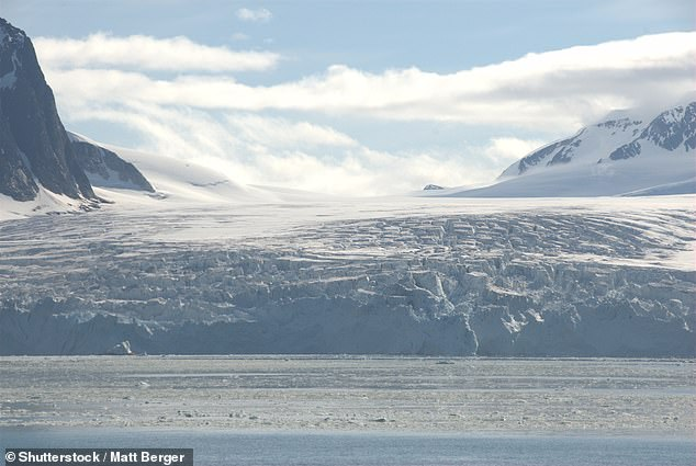 Researchers from the US combined data from tiny marine fossils with climate models to forecast the weather during the so-called Last Glacial Maximum (LGM). During this chilly period, the Earth's ice sheets and glaciers (like that pictured) had spread to cover around half of Europe, North America and South America ¿ and much of Asia