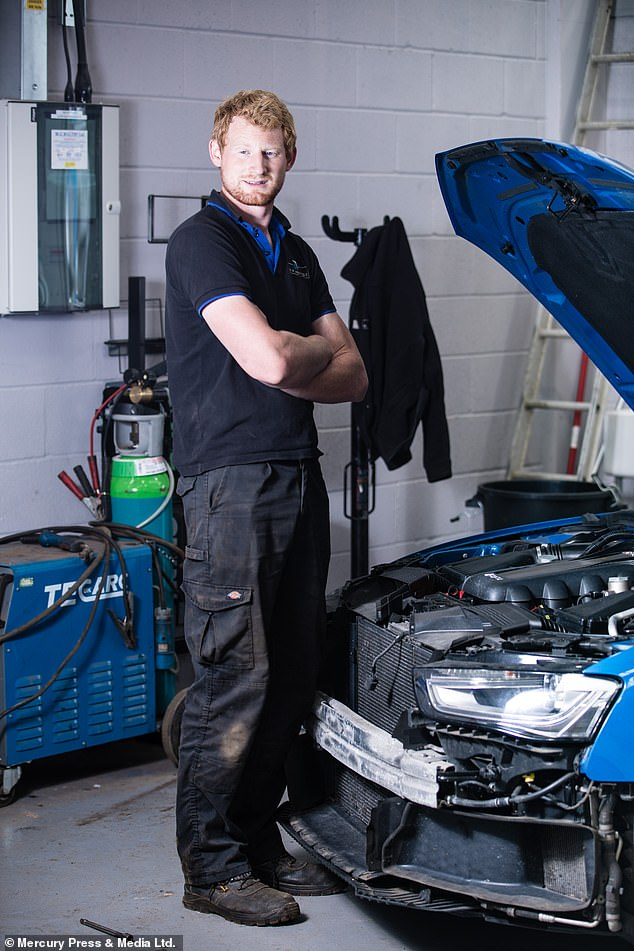 With his £ 2,500 a week in ruins, Henry now relies solely on his daytime job as a mechanic.