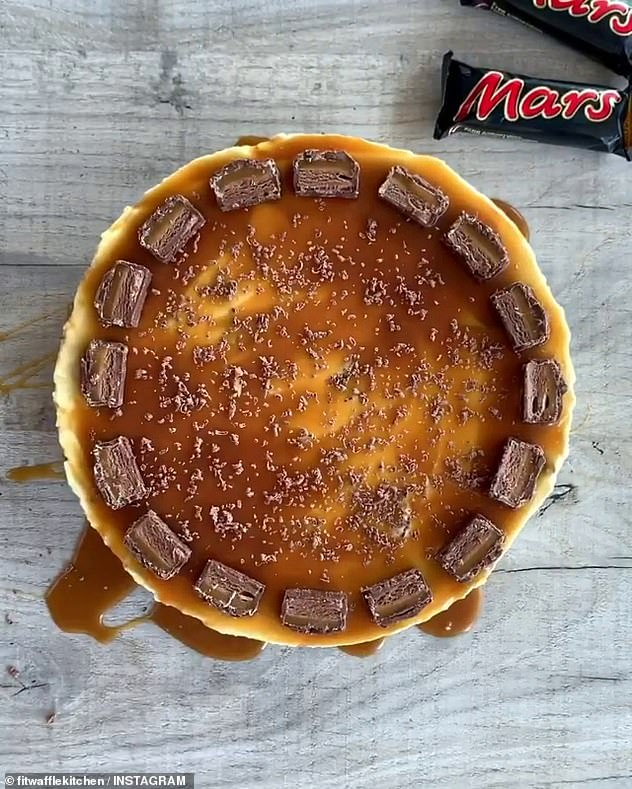 The base is made by crushing biscuits into melted butter while the filling is an indulgent blend of cream cheese, icing sugar, double cream and chunks of Mars chocolate