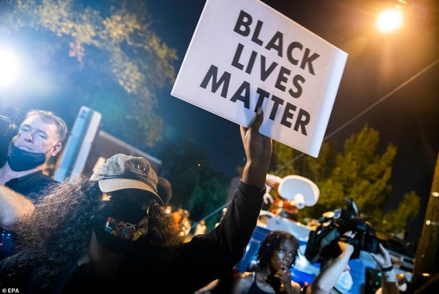 WASHINGTON DC: Black Lives Matter protesters also gathered outside a police precinct in Washington DC after police shot and killed 18-year-old Deon Kay, who is black, on Wednesday afternoon