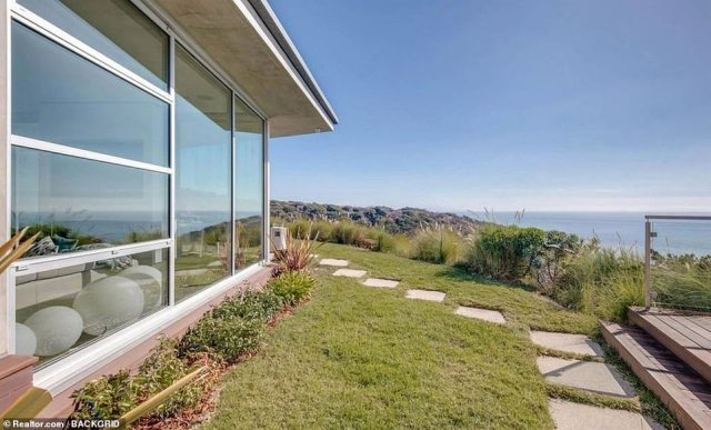 Impressive:Willow Smith has purchased a $3.1 million starter home in Malibu, not too far away from her famous parents Will and Jada's $42 million Calabasas mansion