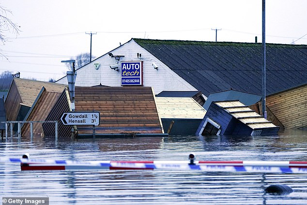 Garden sheds float in flood water as Storm Jorge flooding hit Snaith homes and businesses