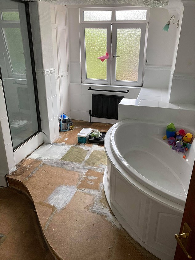Before the interior looked shabby and very much of a 70s or 80s aesthetic, with a large corner bath