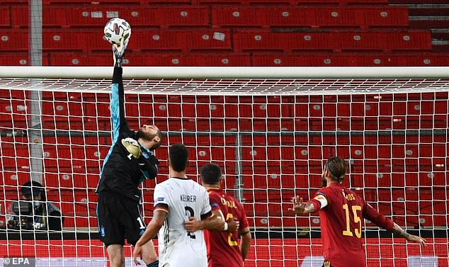 De Gea, who made excellent saves, faces a battle to retain his No.1 spot for United