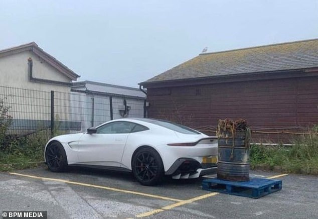 The 'ignorant' car had also been blocked in bya barrel containing chains, which weigh up to half a tonne, at Salcombe fish quay in Devon
