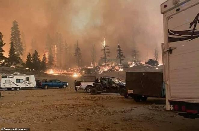 Labor Day weekend campers were trapped near Mammoth Pool Reservoir in Sierra National Park on Saturday after the Creek Fire exploded and blocked off escape routes