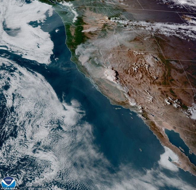 Satellite imagery shows smoke from the fires in Sierra National Forrest in northern California