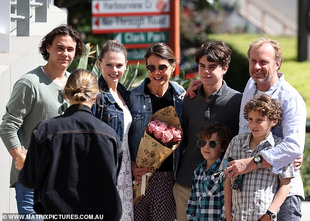 Similar:Alongside Antonia was her older daughter Lucia, who bears a stunning resemblance to her mum
