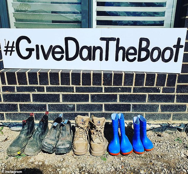 This family in Melbourne's north-east lined up their boots in a row and made a sign expressing their frustrations with Victorian Premier Daniel Andrews