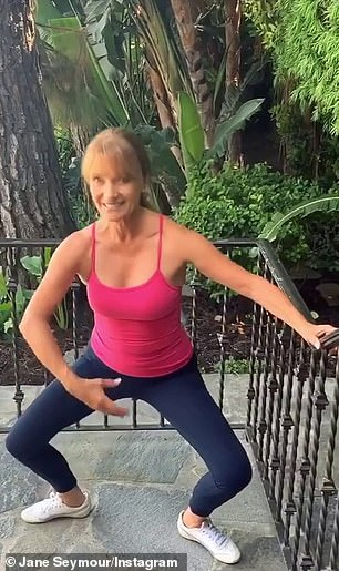 'I see a big difference when I do this': Kominsky Method Actress Pilates, exercises twice a week for 20 minutes with something called gyronics and practice workouts