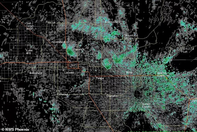 Thousands of bats woke from their slumber and flew out of a tunnel in Arizona to feast before dusk – and the National Weather Service captured the event on radar. The organization picked up the massive colony in Phoenix Sunday, which highlighted what appears to be a burst like fireworks coming from a single point