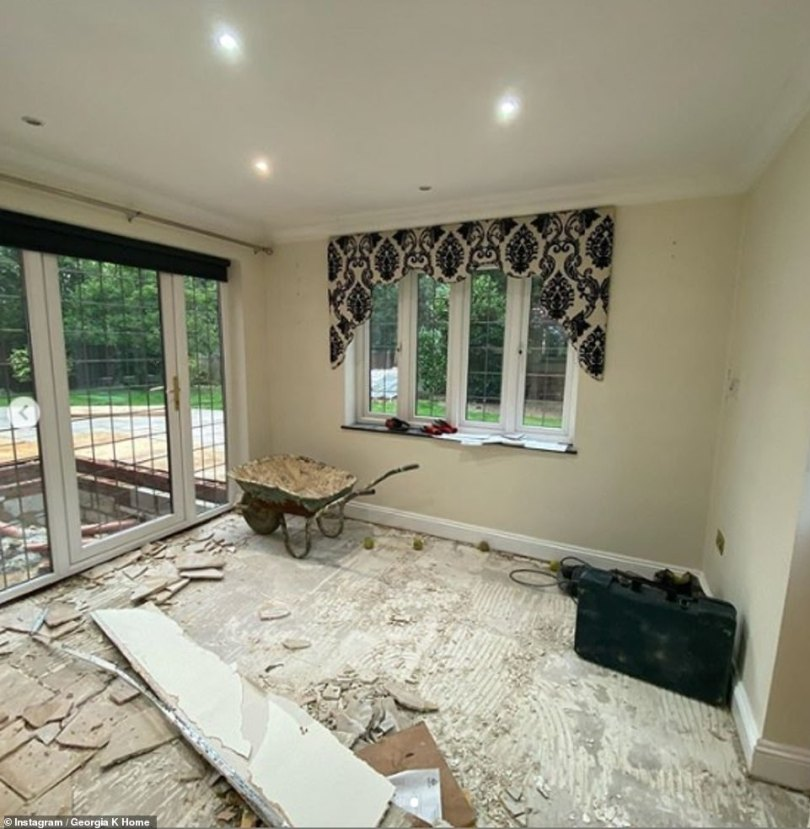 They'll be settled in no time! Despite purchasing the home just a few weeks ago, the duo have managed to get rid of the old kitchen by removing the flooring and matching compartments