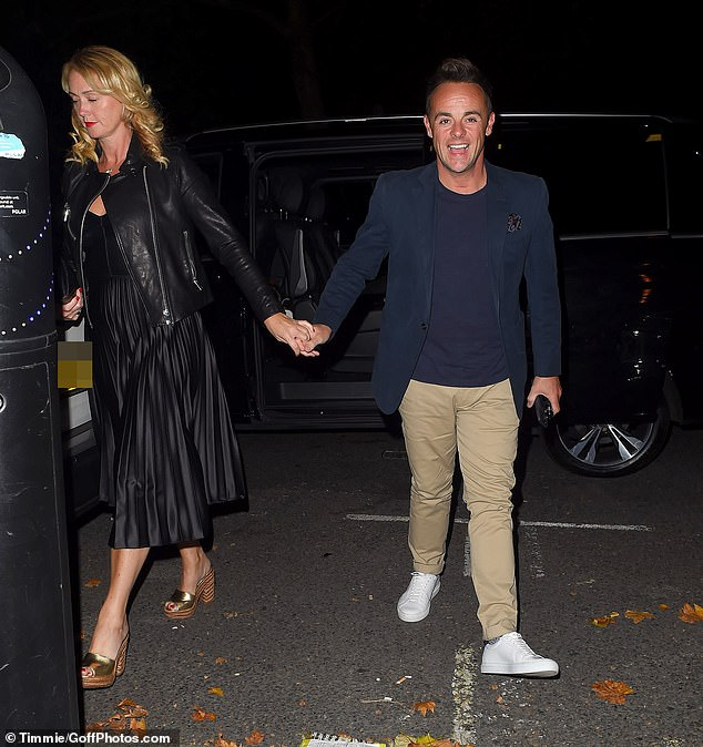 Ant Mcpartlin Holds Hands With Girlfriend Anne Marie Corbett As The Couple Enjoy Dinner Oltnews