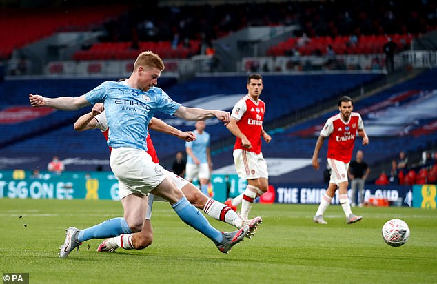 De Bruyne tries harder passes, however, which is why his success rate is lower.