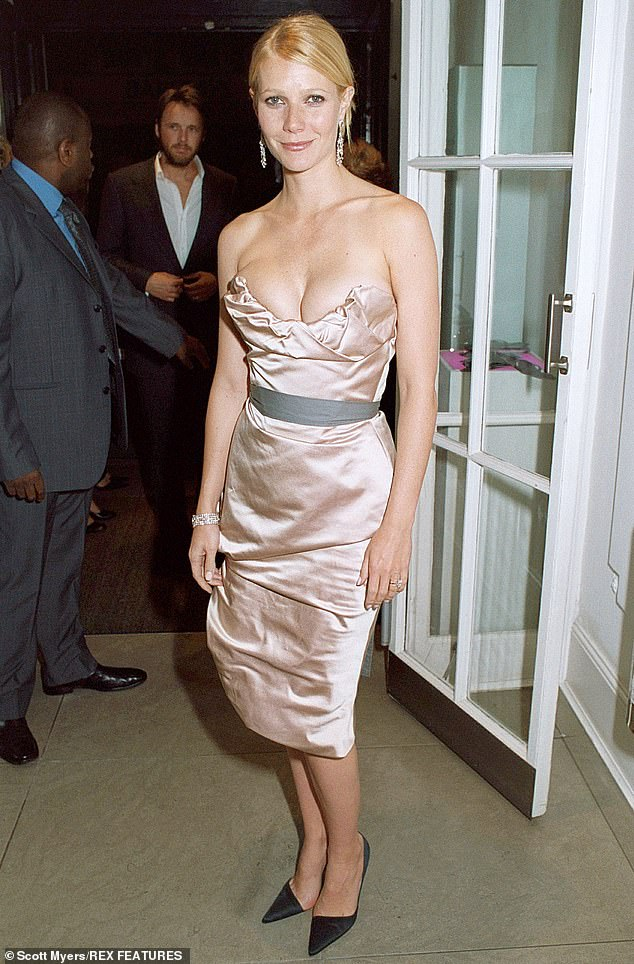 A fun look for summer: Seen in 2004 for the premiere of Sky Captain Of The World