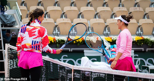 The pair returned to the court after a 45-minute delay before Azarenka stormed to victory
