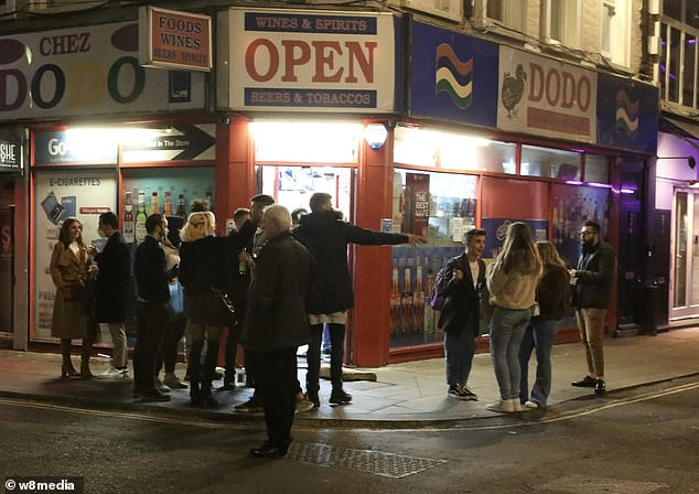 Pubs, restaurants and bars would be forced to close for at least two weeks under proposed new measures