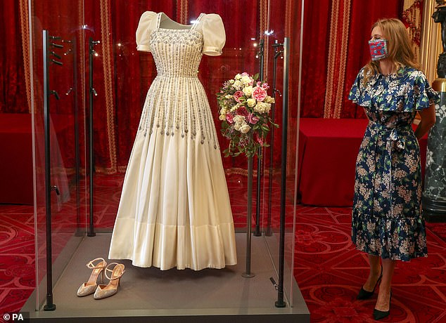 The clip appears to have been filmed on the same day that Princess Beatrice attended the unveiling of her bridal gown at Windsor Castle last week