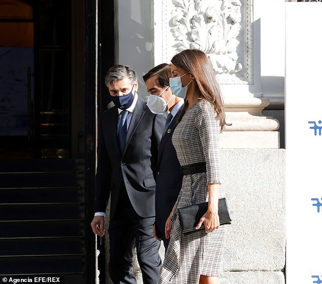 Queen Letizia presided over the meeting which was held in a hybrid format combining virtual and face-to-face elements