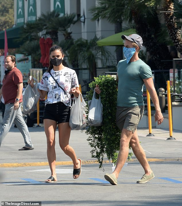 Project time! Dancing With the Stars judge Derek Hough and his girlfriend Hayley Erbert shopped for arts & crafts together at Michaels in Los Angeles on Monday