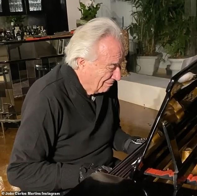 Miraculous!  80-year-old pianist João Carlos Martins is able to perform again after injuries and illness rob him of his dexterity
