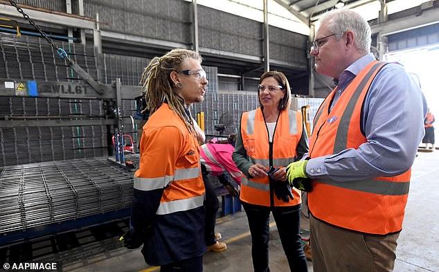 Steel worker John Simpson (left) speaks with Deb Frecklington and Scott Morrison, Queensland LNP leader
